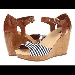 Dr. Scholl's Milestone Wedge Sandals Size 9